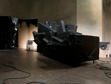 Stefan Roigk hanging garden, 2008, mixed media, 8 channel @ ausland