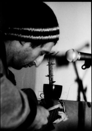 Leonid Soybelman an der Gitarre